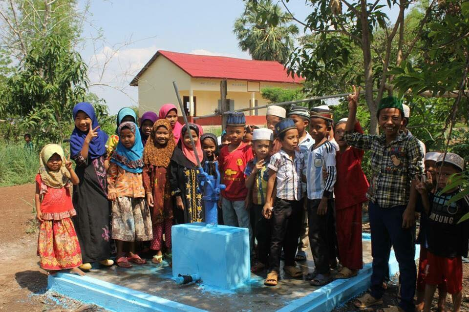 Construction d'un puits au Cambodge